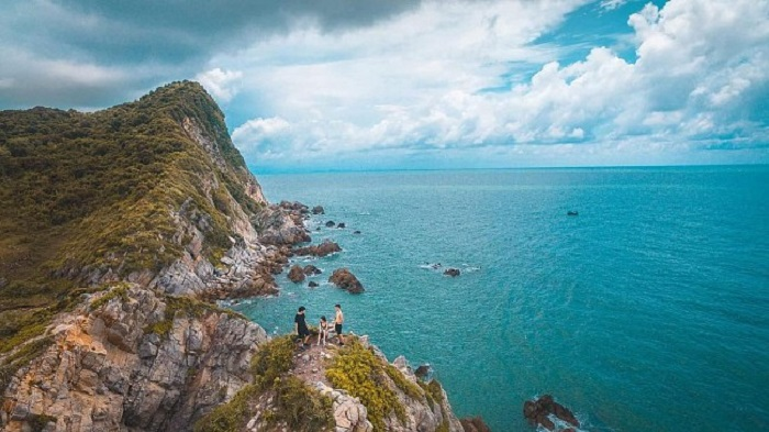 Bãi tắm Minh Châu - nơi tình yêu bắt đầu trên đảo